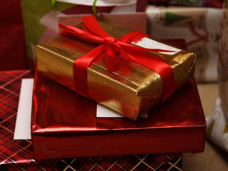 HUM_gift_aaronjacobs