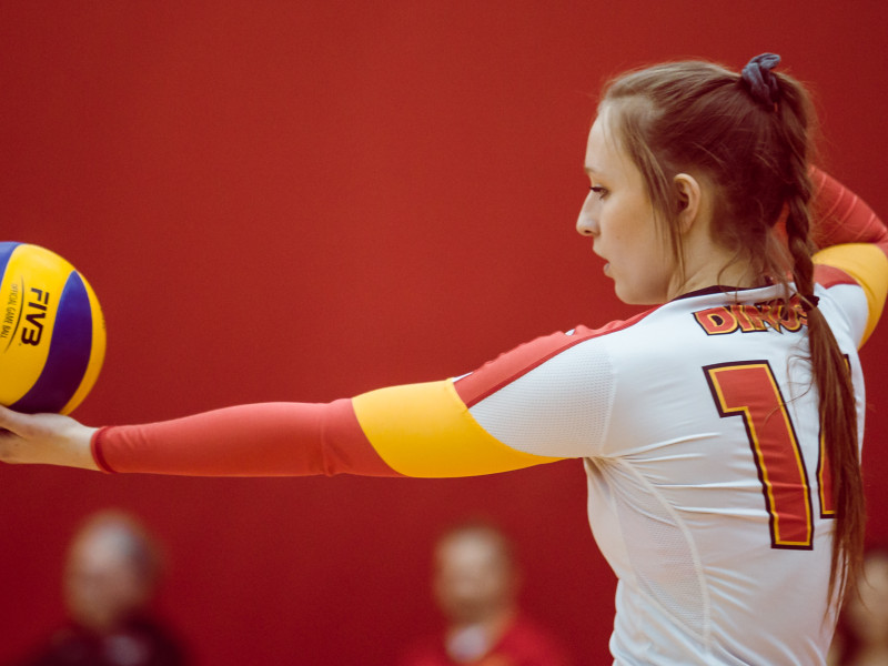 SPORTS_GirlsVolley_EmilieMedland-Marchen-1