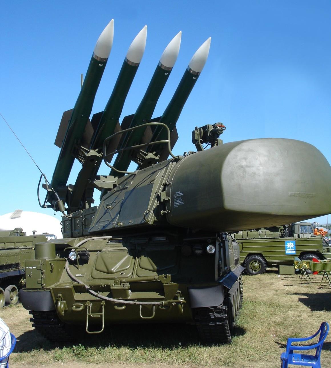 HUM_missiles_ajvol