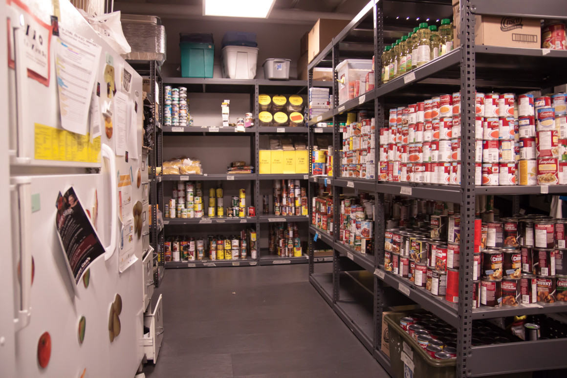 NEWS_FoodBank_JEdmund-1