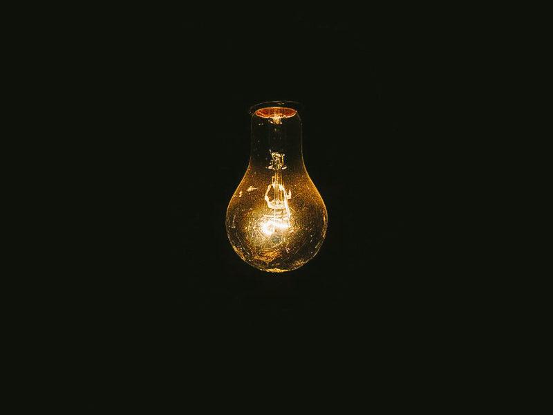 HUMOR_09_27_Justin_Quaintance_lightbulb-2