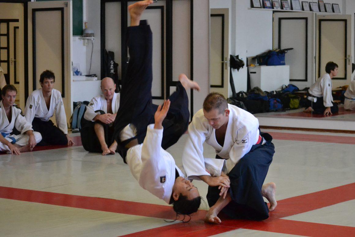 Edgar_Kruyning_in_action_during_an_Aikido_seminar_(ude_garami) (1)