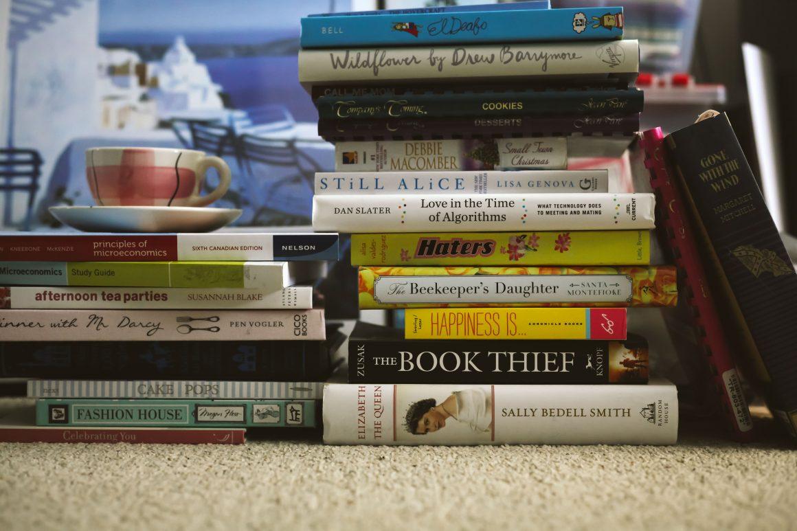 HUMOUR_Hoarder_Books_Mariah_Wilson -2560