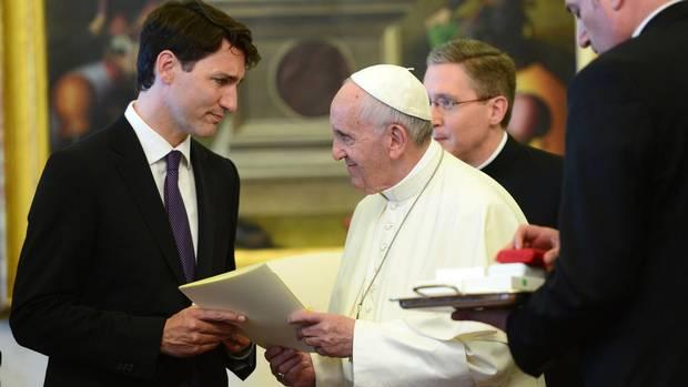 NEWS_PopeTrudeau_SeanKilpatrick