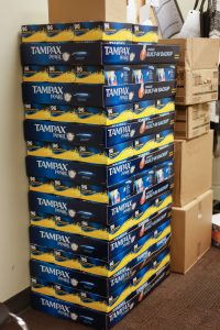 U of C students can now access free tampons at the SU main office, the Info Centre, and the Q Centre. //