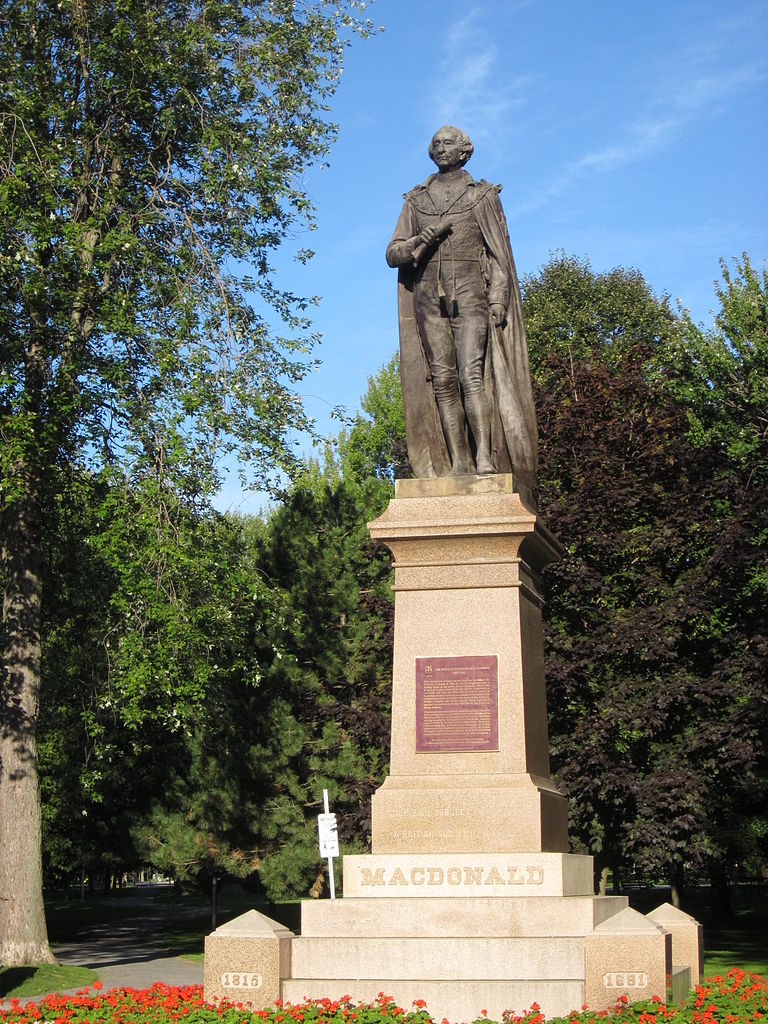 Sir_John_A_Macdonald_statue_(Kingston,_Ontario)