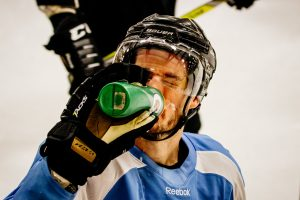 SPORTS_Men'sHockey_EmmanuelGalleguillos-Cote-1-2