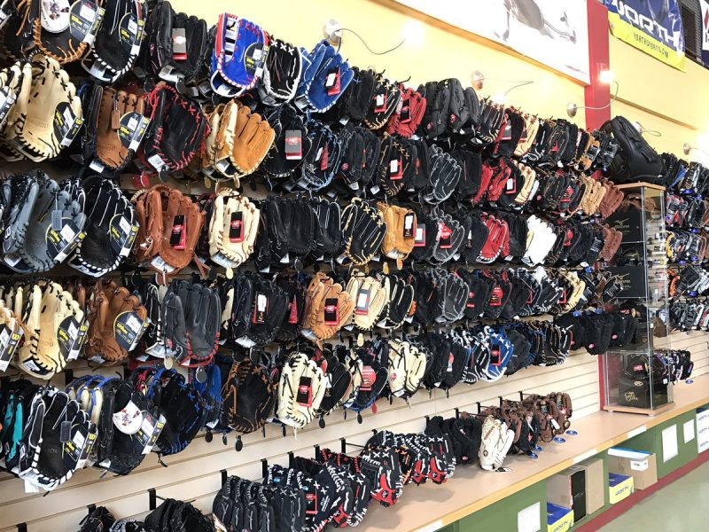 SPORTS_UsedSportingGoods_CourtesyHomeRunSports