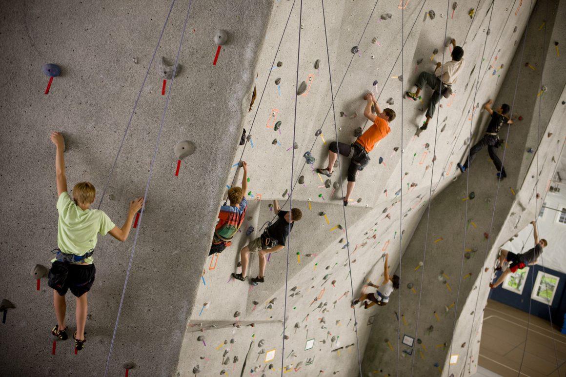 SPORTS_RockClimbingOlympics_TheWhiteMountainSchool